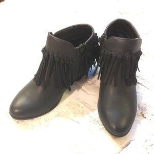 0e48dfd6ff084a Sam Edelman Shoes - Sam Edelman Black petty Zoe fringe booties